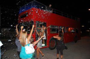 party bus aperto nella capitale: foto
