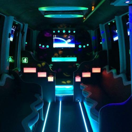 limo-bus-roma_2